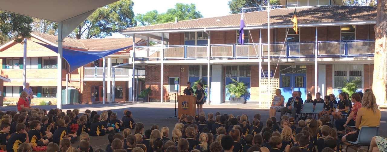 Students giving a speech at Boronia Park PS
